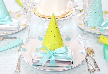 Celebrating a Summer Birthday: 5 Ways to Style a Fresh and Festive Tablescape