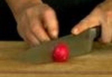 How to Cut Radishes