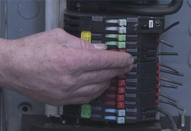 How to Tell if a Circuit Breaker Is Bad
