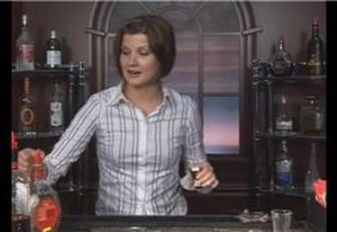 How to Make the Sicilian Kiss Mixed Drink