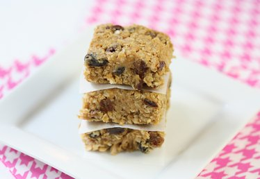 Eat These Now! The Easiest No-Bake Energy Bars for Busy Moms
