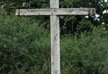 How to Make a Wooden Easter Cross