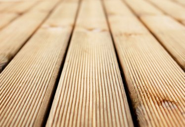 How to Build an 8' X 4' Deck