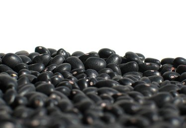 What to Serve With Black Beans & Rice
