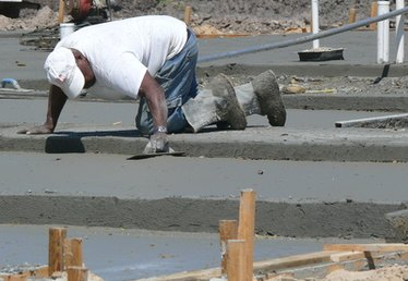 How to Prepare & Pour a Concrete Slab