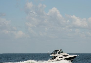 Is Insurance Required to Register a Boat in the State of New York?