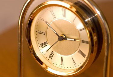 How to Set Battery Operated Mantle Clocks
