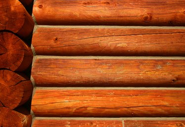 How to Fix a Cracking Log Home