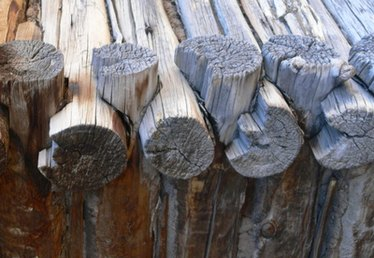 How to Notch Logs for a Log Home