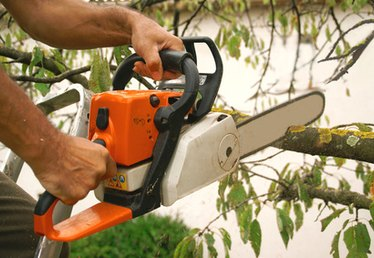 How to Use a Chainsaw Depth Gauge