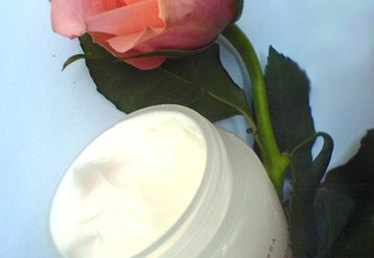 How to Make Moisturizing Cream