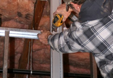 How to Insulate a Metal Building
