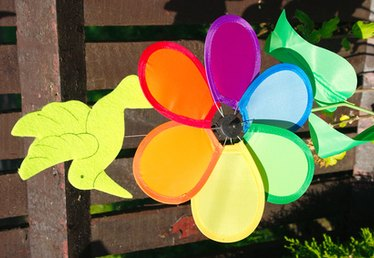 How to Make Outdoor Pinwheels