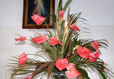 How to Arrange Church Flowers