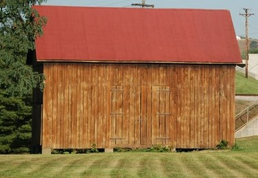 How to Make Living Quarters in a Storage Shed