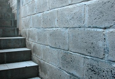 How to Repair Vertical Concrete Surfaces