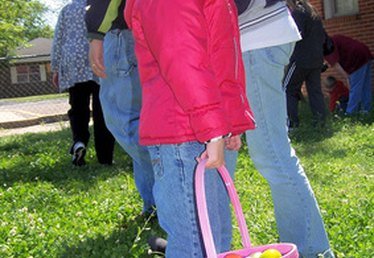 How to Plan a Large Easter Egg Hunt