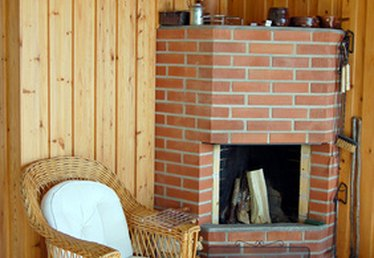 How to Remove Paint From a Fireplace