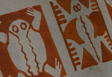 Parchment Paper vs. Wax Paper for Stencils