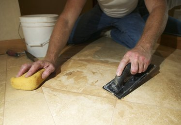 How to Clean Mastic Off of Tiles
