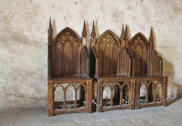 Characteristics of Gothic Revival Furniture