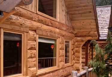 How to Re-Stain a Log Home
