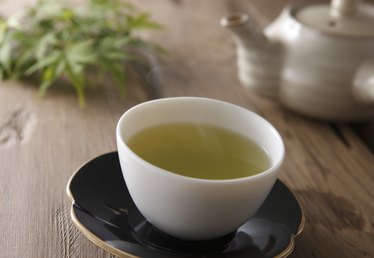 How Much Caffeine Does Green Tea Contain?