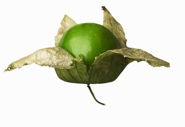 How to Cut Tomatillos