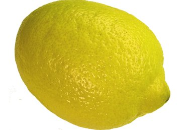 How to Tell Seedless Lemons From Lemons With Seeds