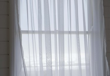 How to Make Window Curtains Out of Tulle Fabric