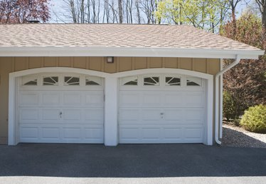 How to Calibrate a Garage Door