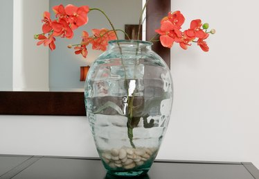 Decoration Ideas for Clear Glass Vases