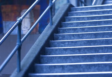 What Is the Minimum Stair Tread Depth?