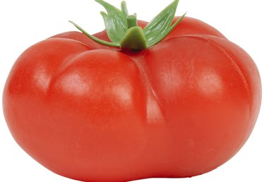 Facts on How Big Tomatoes Grow