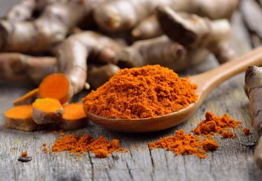 Turmeric: Why It's a Nutritional Superstar (And Recipes to Try)