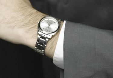 How to Remove Links From a Fossil Watch