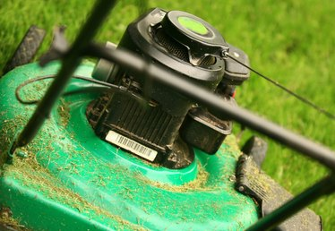 What to Do for a Push Mower That Is Overheating