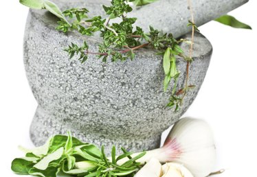 How to Make Rosemary & Thyme Sauce