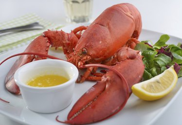 How to Make a Butter Sauce for Lobster