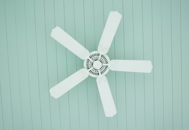 What to Do When My Ceiling Fan Is Making a Squeaky Noise