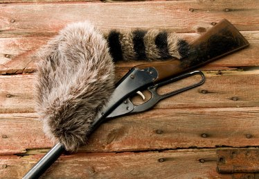 How to Make a Paper Coonskin Hat