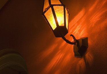 How to Install Pipes for Gas Lights