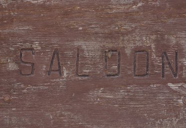 How to Woodburn Names on Wood