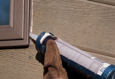 Should You Caulk Between Stucco & Trim?
