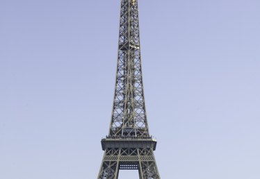 How to Make a Model of the Eiffel Tower Out of Wire