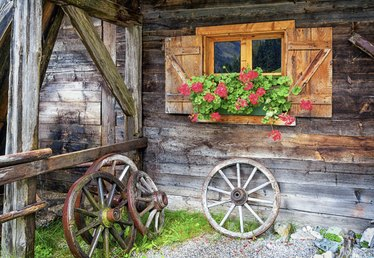 How to Use Old Farm Equipment to Decorate