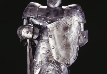 How to Make a Suit of Children's Armor From Aluminum Foil