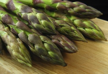 How to Take Care of Asparagus Plants