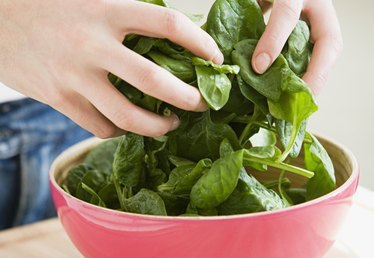 Is Spinach With White Dots Good to Eat?