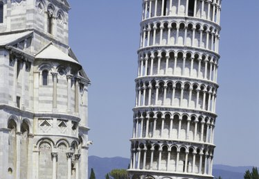 How to Travel From Florence to Pisa